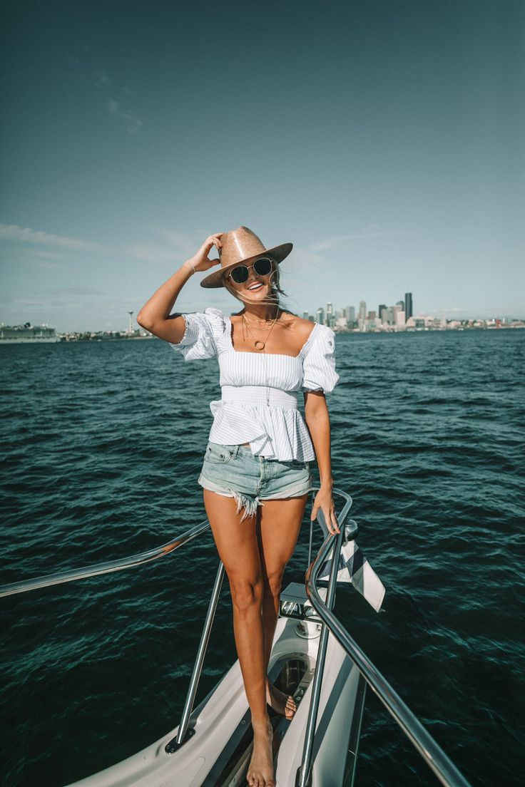 Summer sailing outfit womens, Barefoot Blonde