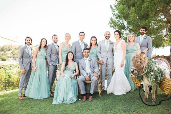 Do bridesmaids and groomsmen have to match