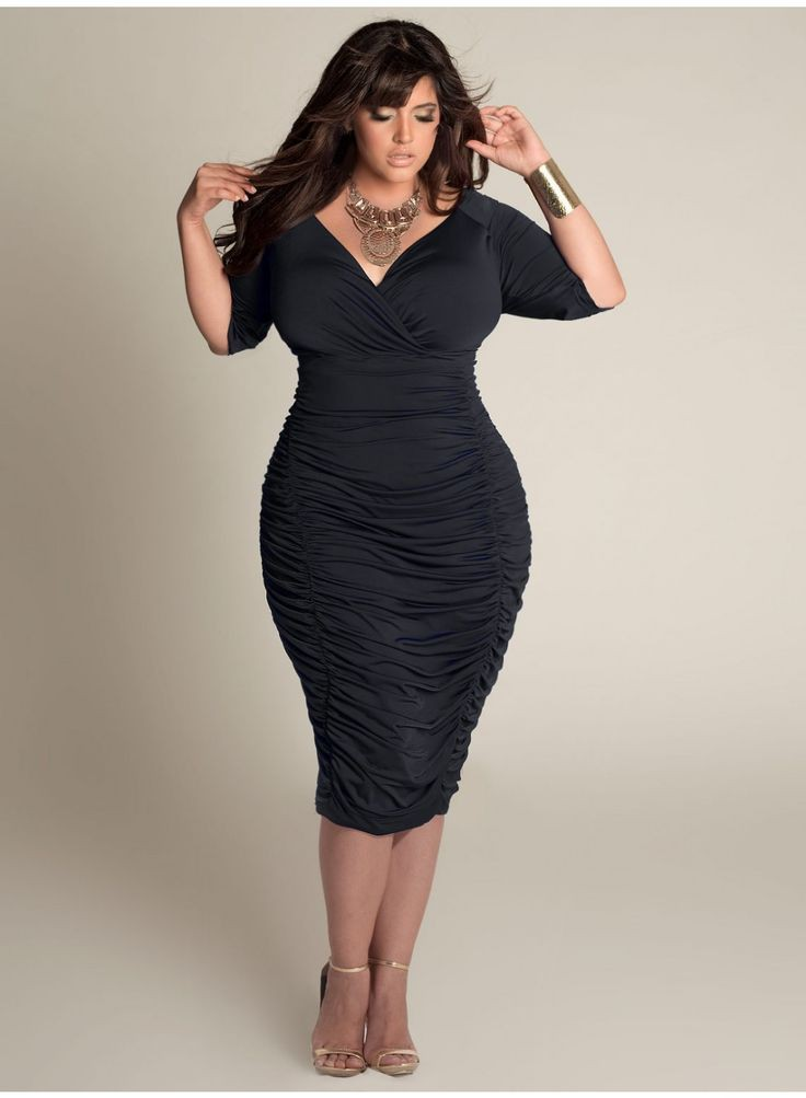 Black dress for curvy girl