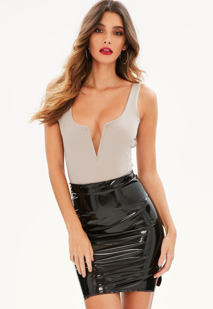 Tips for cool fashion model, Leather Pencil skirt