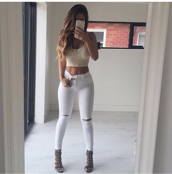 White jeans and crop top outfit