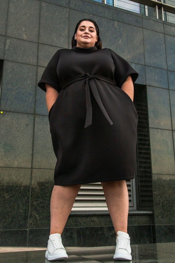 Check these fine fashion model, Little black dress