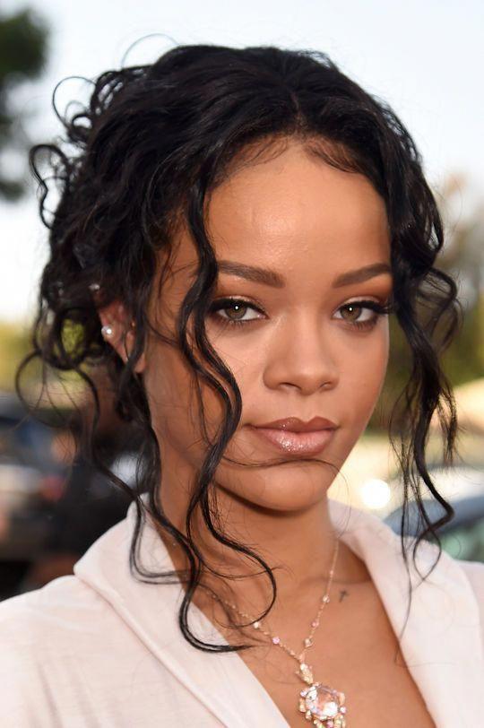 Rihanna mtv movie awards 2014 makeup
