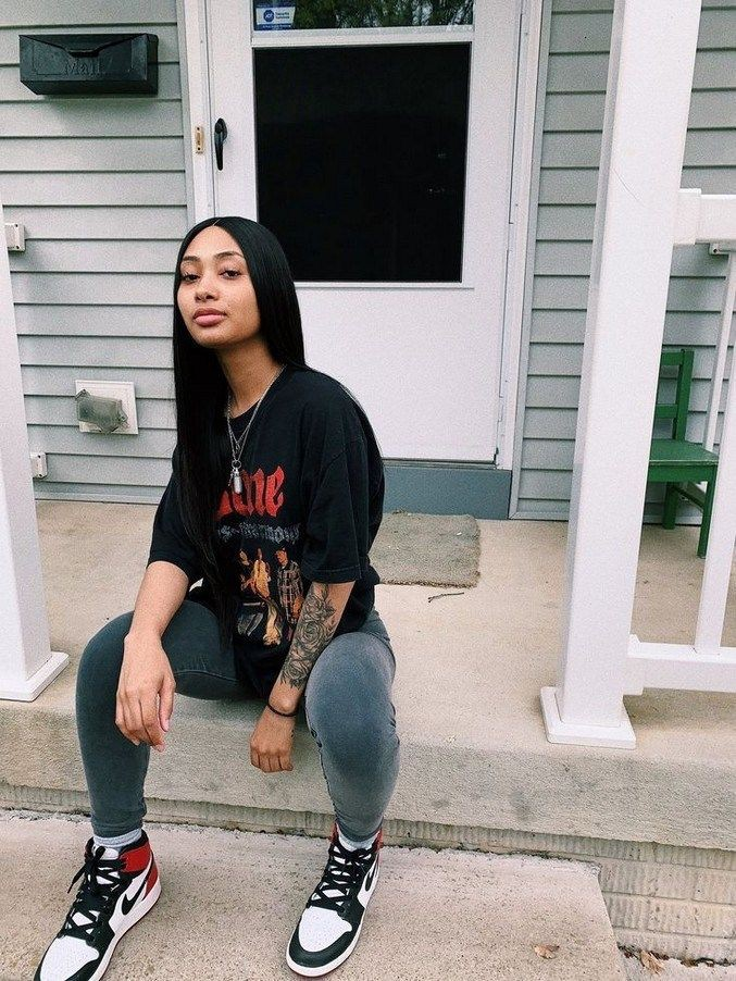 Cute poses for black girls   Baddie Outfits With Vans ...