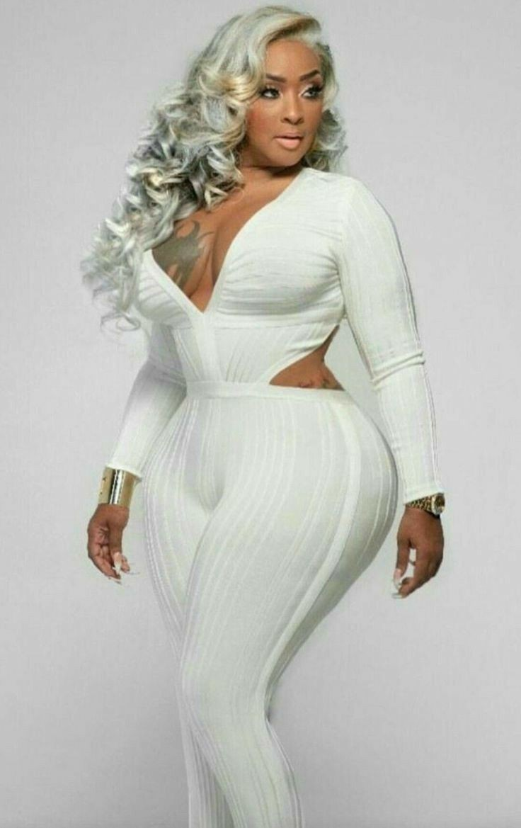 Black girls with curvy wave on body