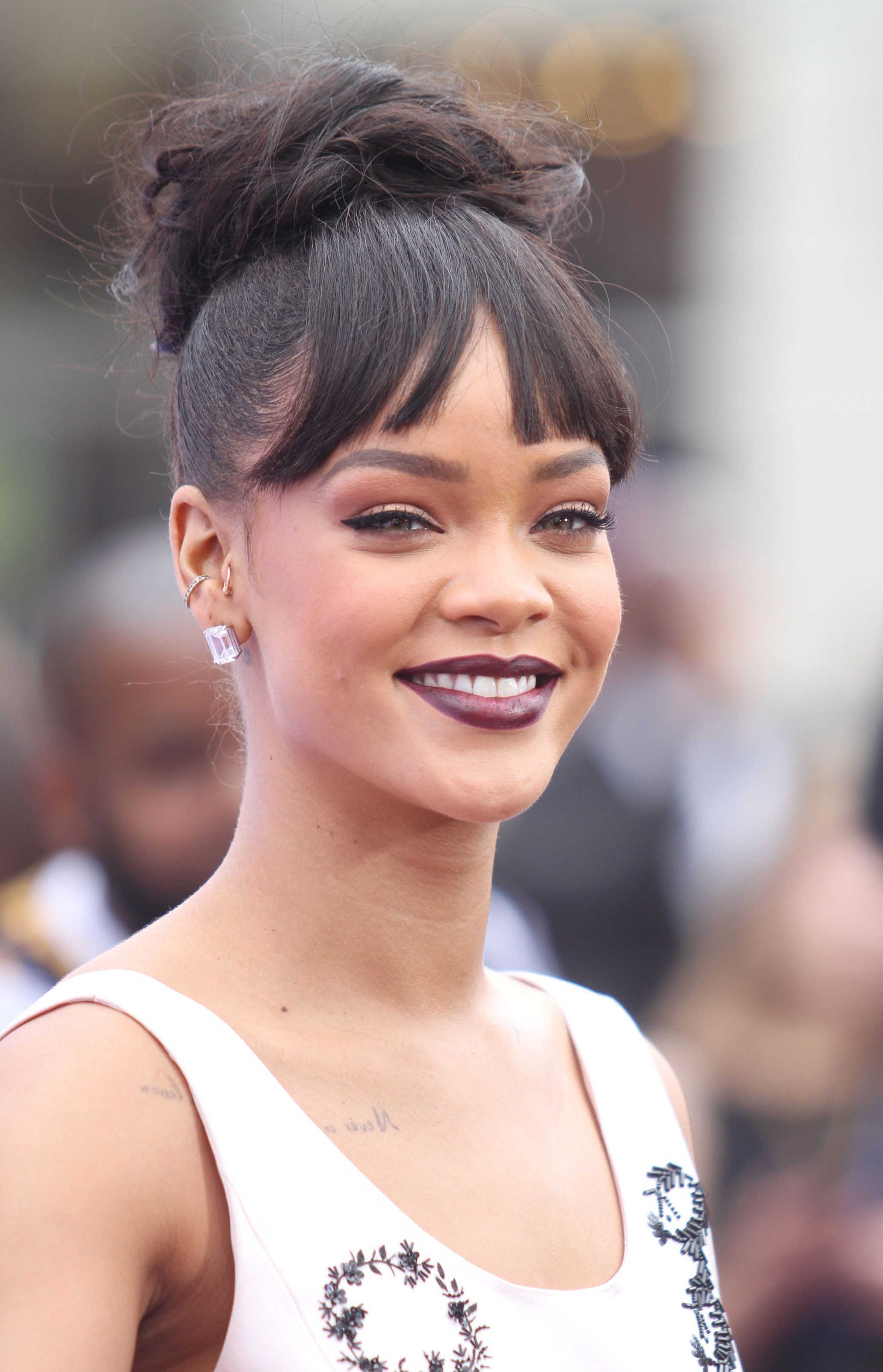 Find and get rihanna hermosa, Black hair