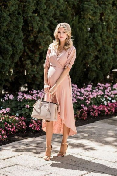 Trendy Maternity Outfits with Tote bag