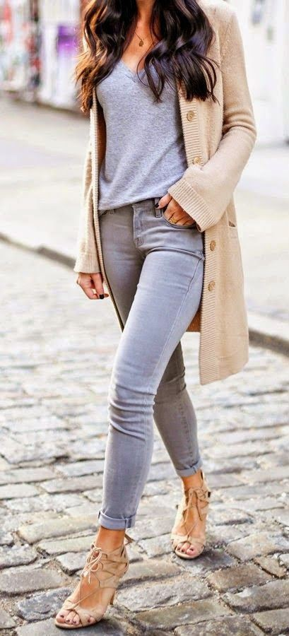 Cute outfits with grey jeans