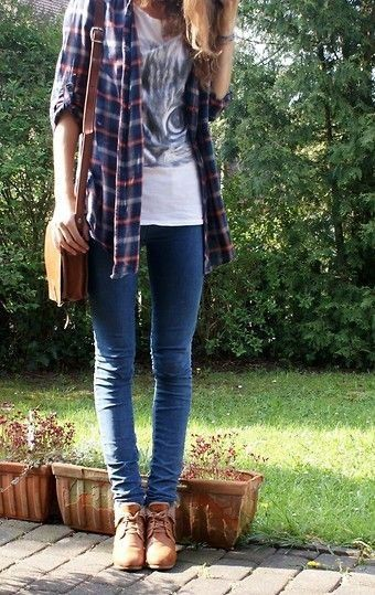 Flannel shirt and skinny jeans