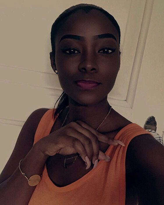 Check these finest natural dark beauties, Black is beautiful