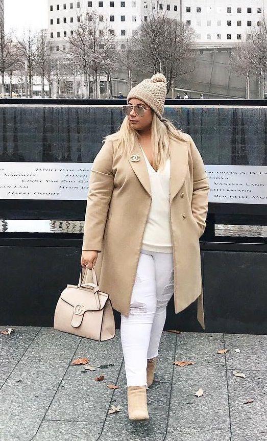 Plus-size clothing, Plus-size model