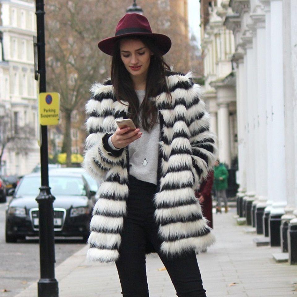 Manteau noir et blanc fille rayure fourrure