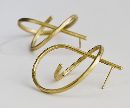 OMG! Nice sculptural earrings, Jewelry design