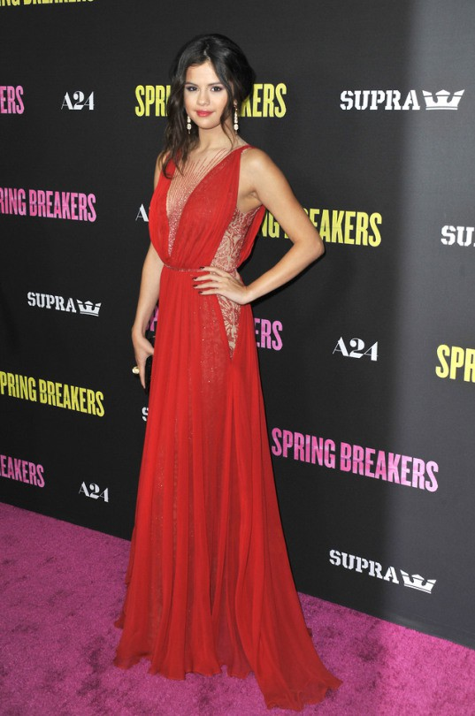 Formal selena gomez outfits