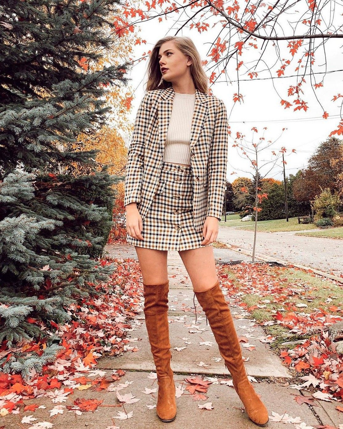 Get stylish look with fashion model, Polo coat