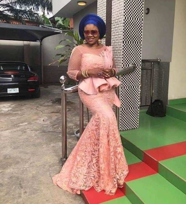 Fantastic ideas for asoebi lace styles 2018, African wax prints