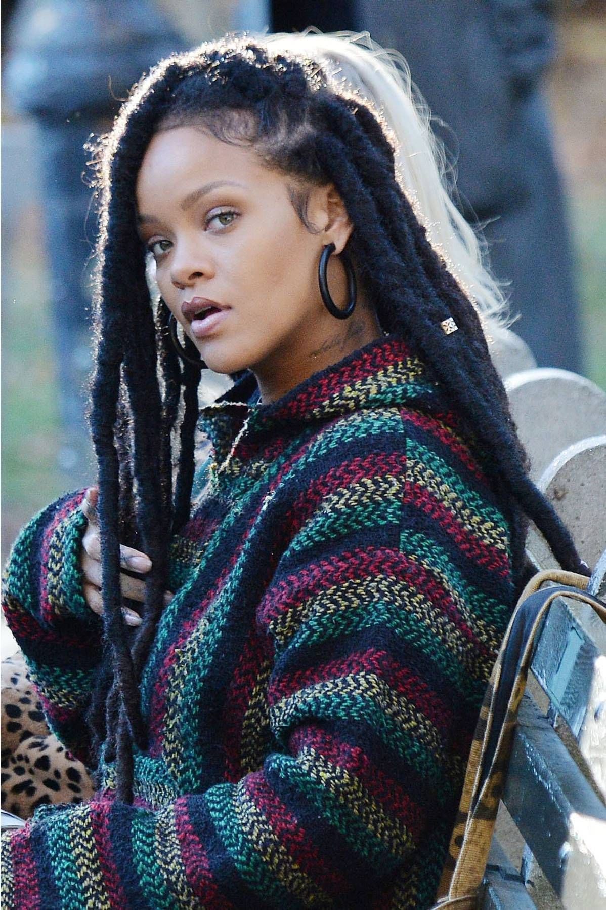 Simple yet stylish ideas for rihanna faux locs, New York