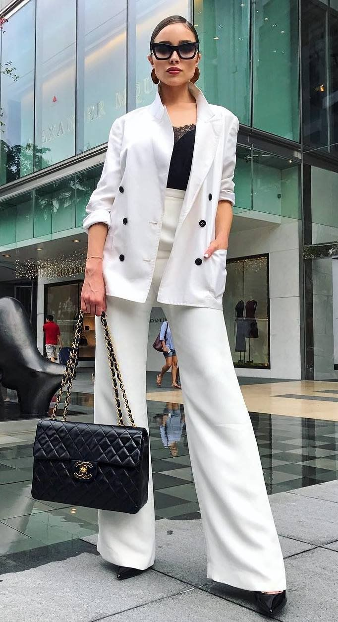 Women's Business Casual Fashion, Lack of Color