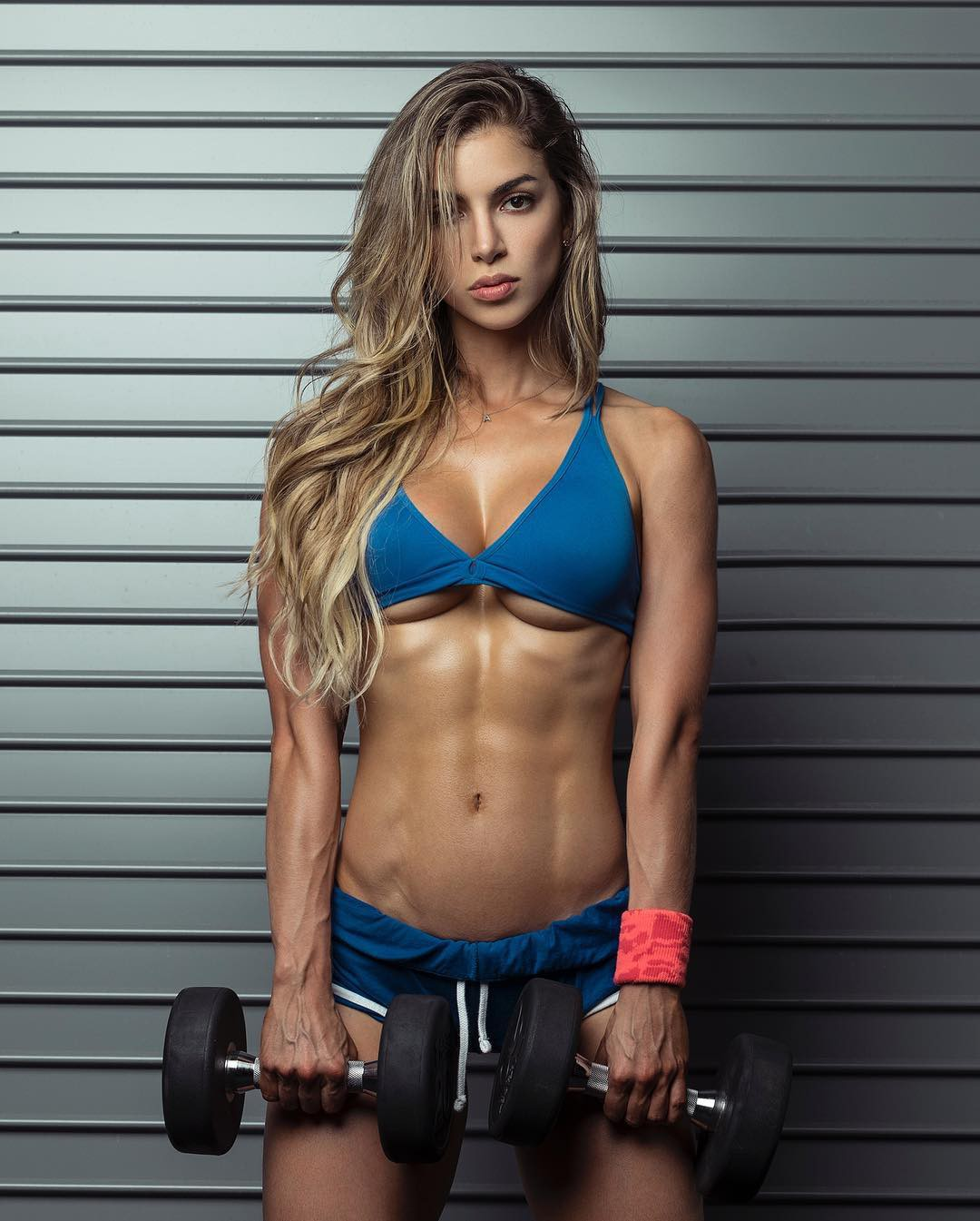 Look at these anllela sagra, Physical fitness