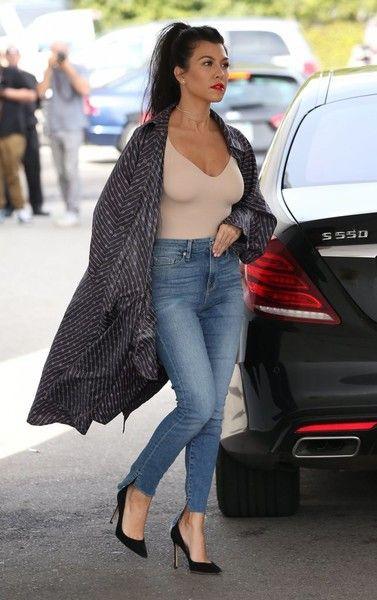 Celebrity Street Style Ideas, Kourtney Kardashian, Casa Vega