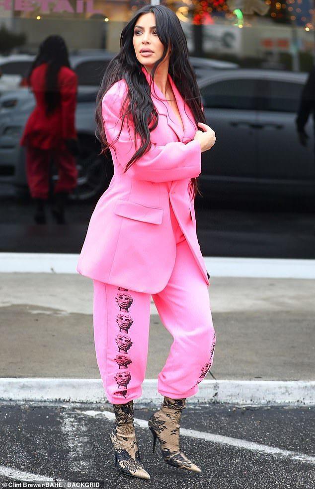 Kim kardashian in pink
