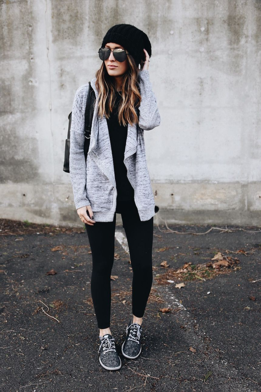 Outfits To Wear With Sneakers, Slim-fit pants, Sports shoes