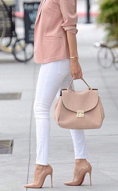 Outfits con tacones rosa palo