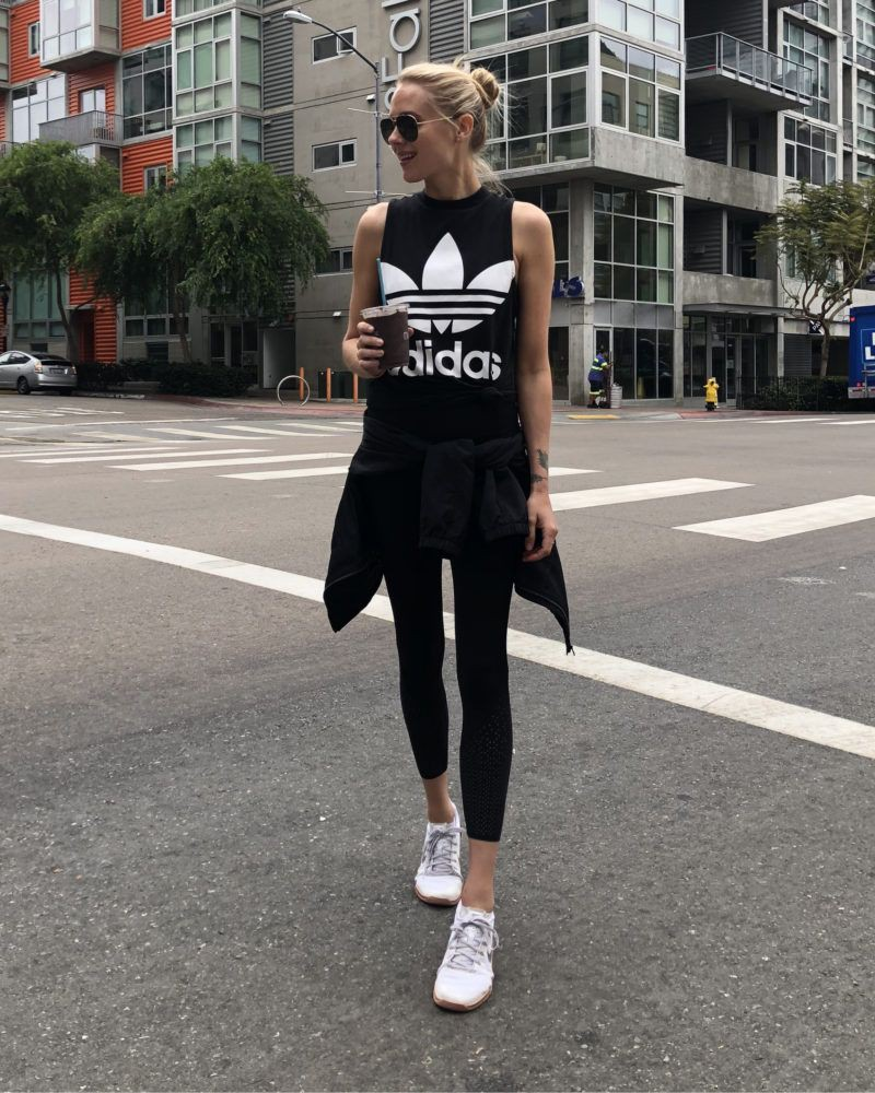 Outfits With Yoga Pants, Fashion blog, Sports shoes
