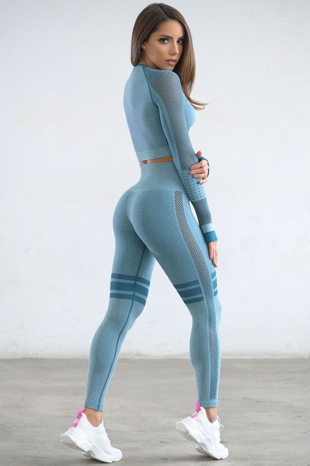 One should see these seamless gym tights, Yoga pants