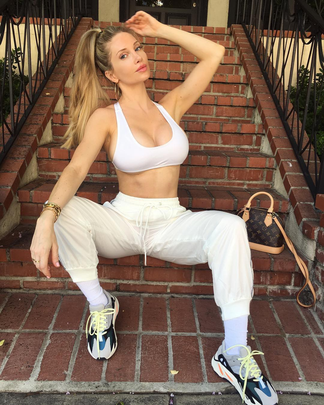 Amanda elise lee outfits, Tube top