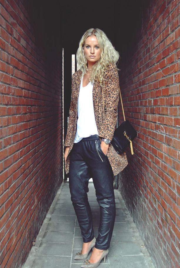 Simple Leopard print coat outfit
