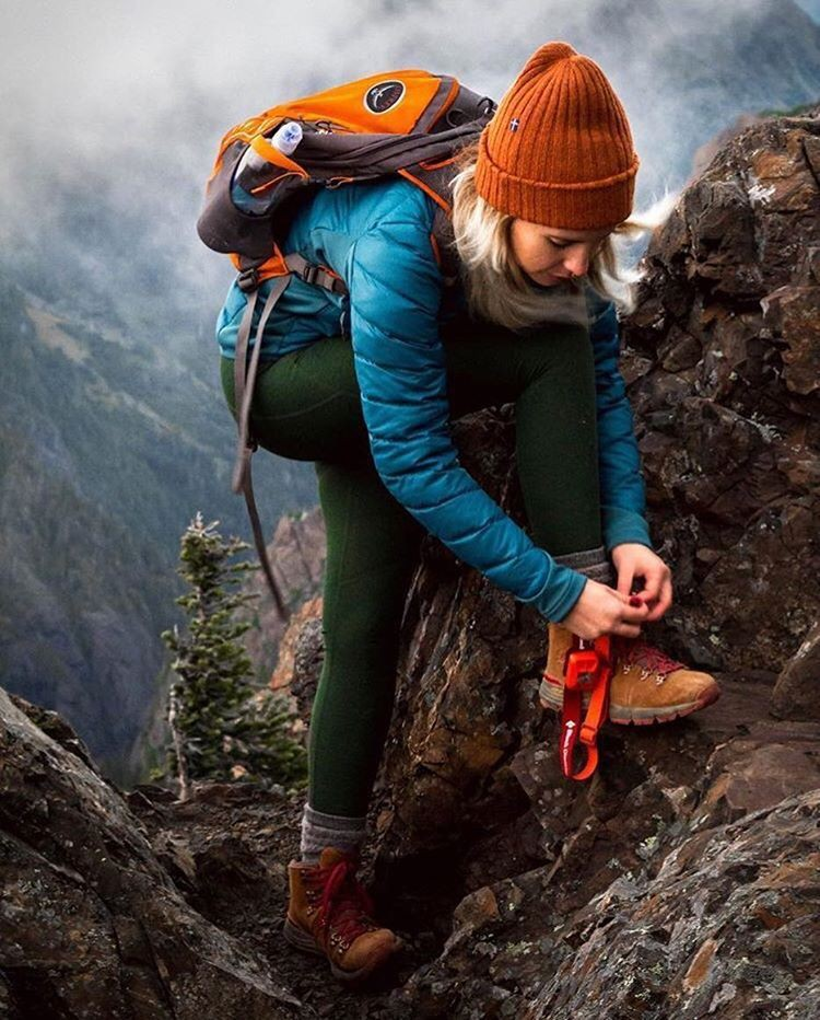 Best Hiking Shoes Outfits For Winter, Survival skills, Hiking equipment