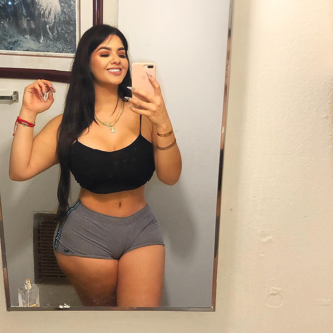 Sexy white girls with thick hips