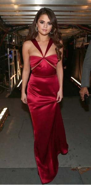 Selena gomez red carpet