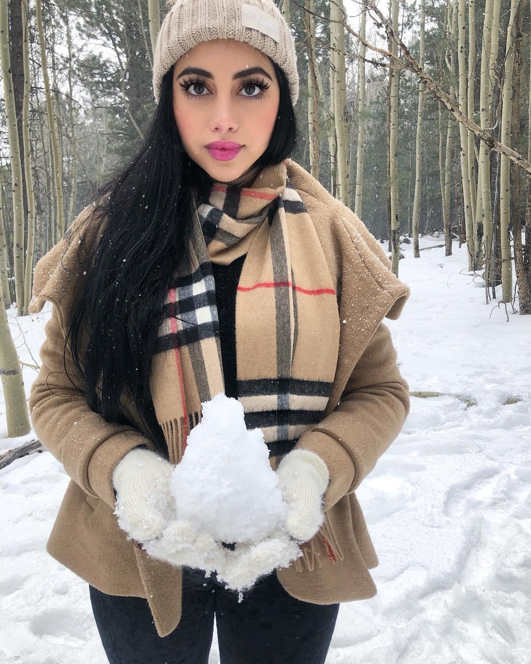 Cute Jailyne ojeda in snow