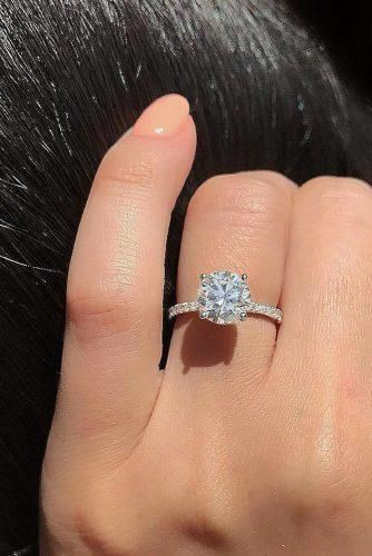 Know more on simple engagement rings, Engagement ring