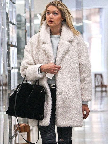 Gigi hadid white coat, Gigi Hadid