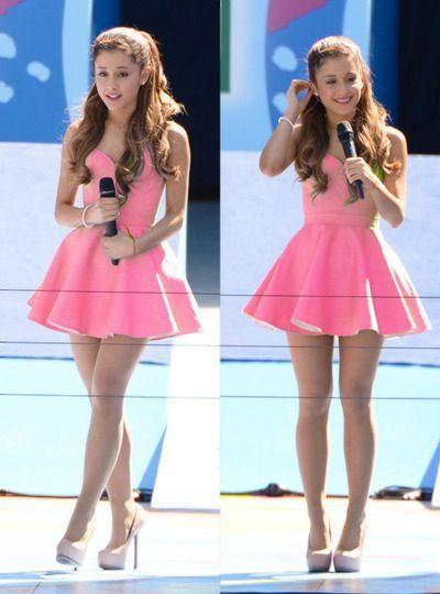 Ariana grande vestido rosa