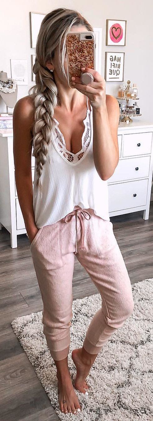 Simple tank top outfits