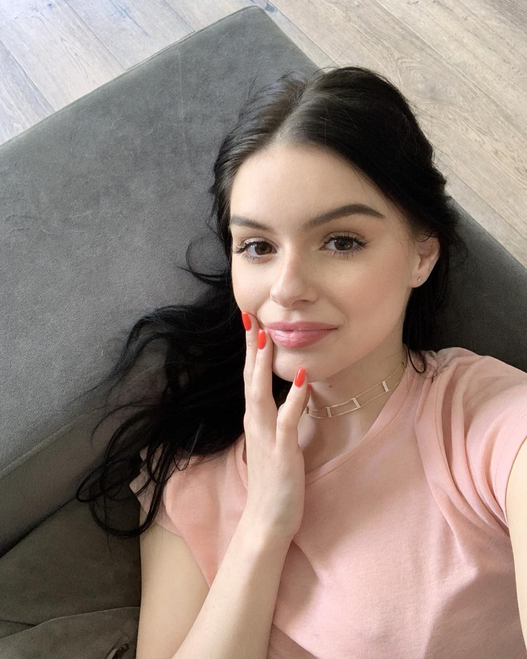 Check these amazing ariel winter, Modern Family