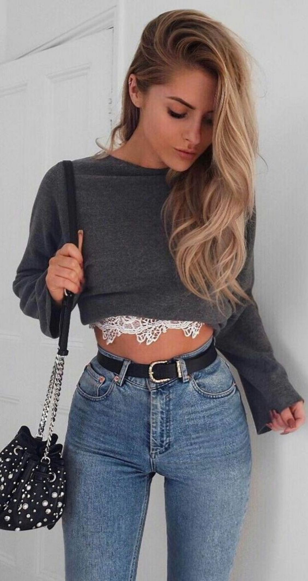 London fashion style cropped sweater outfit, Crop top