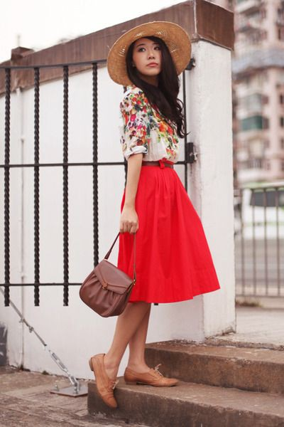 Skirt with oxford shoes, Oxford shoe