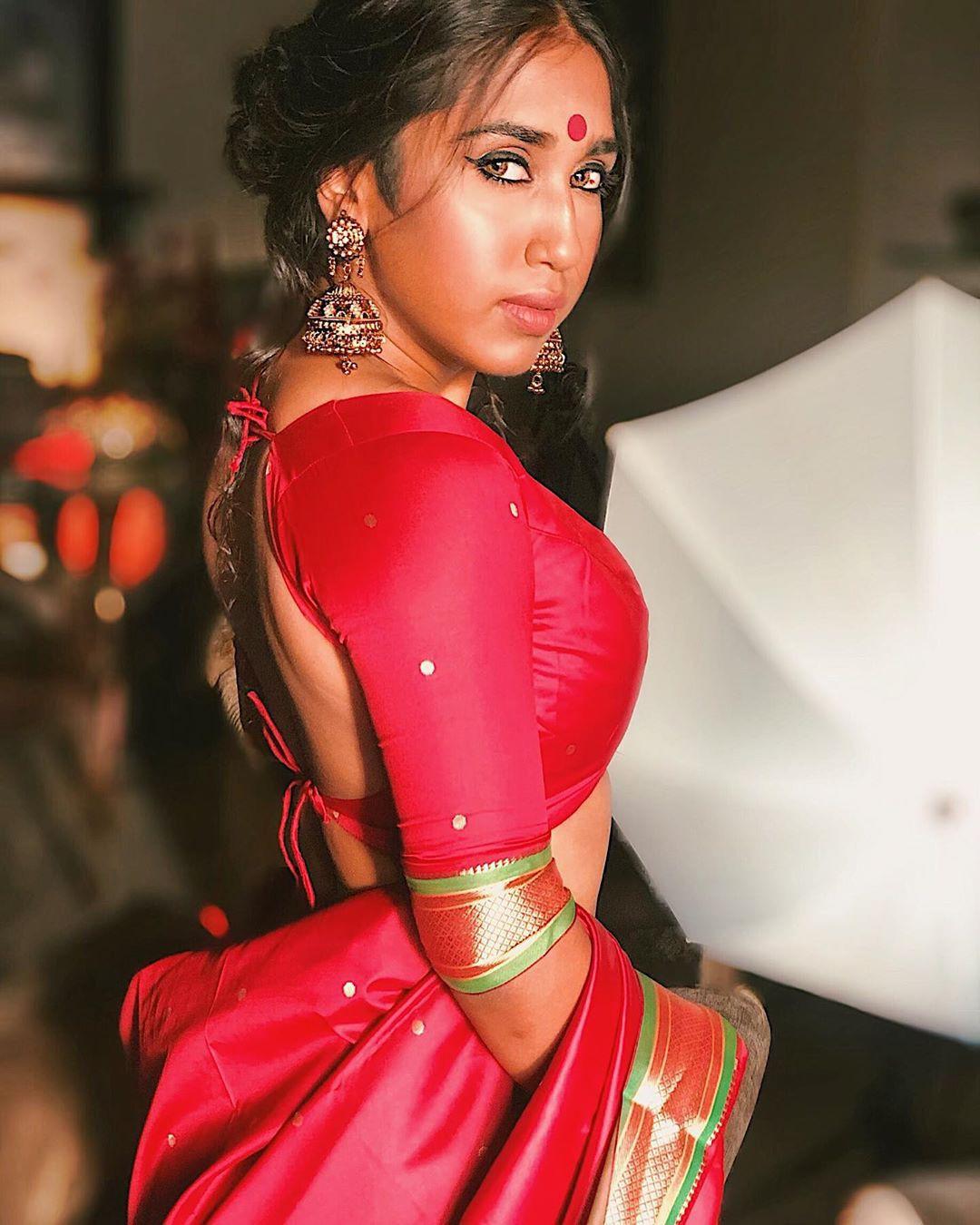 Lovely outfit ideas for scarlett rose red, Sherlyn Chopra