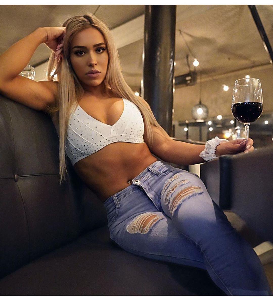 Fashion addict cassandra martin sexy, Cass Martin