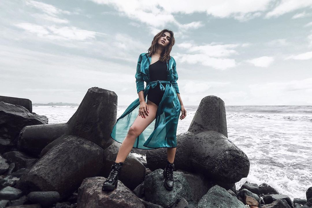 Stylish Karishma Sharma Instagram Pictures, Welcome to Lalaland