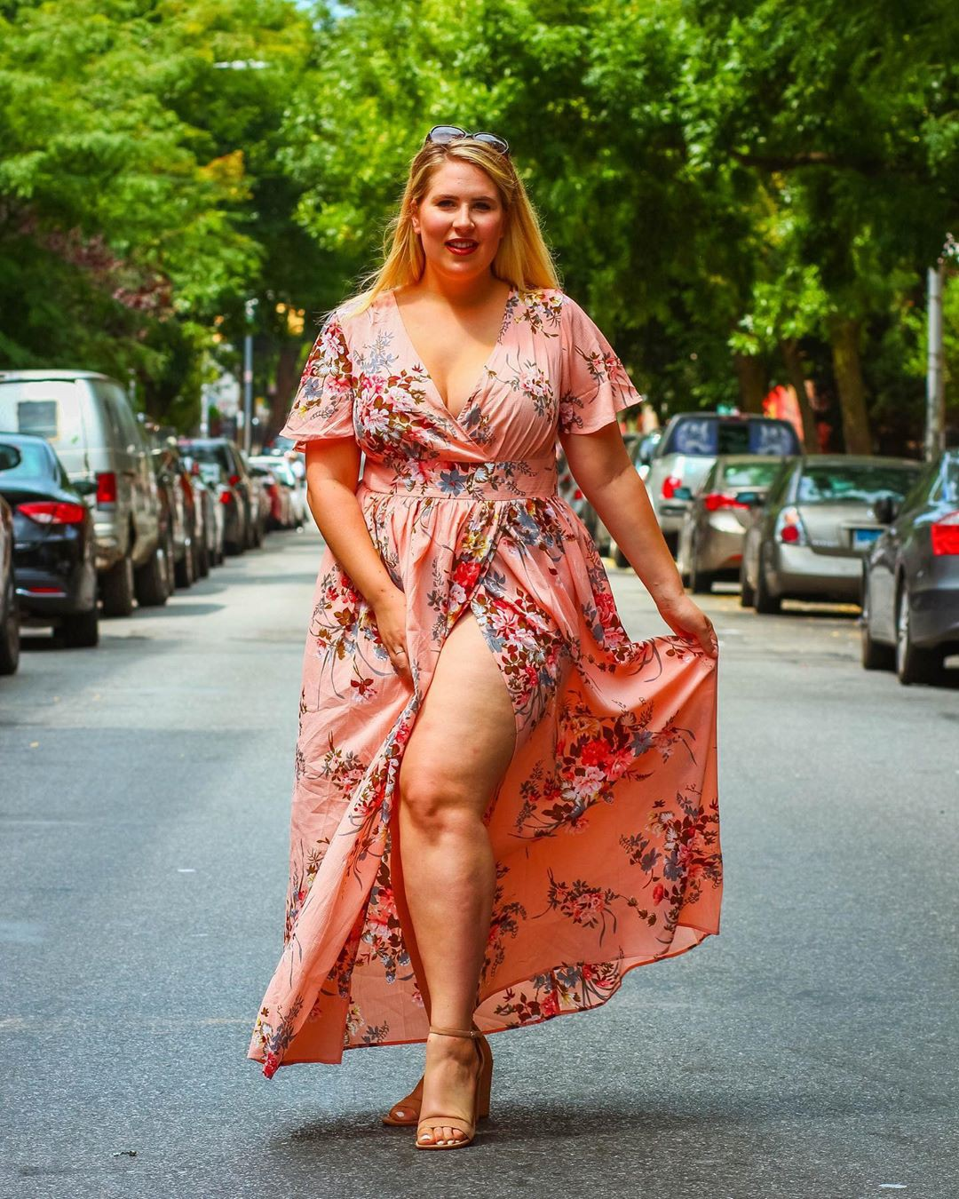 Street fashion tips for fashion model, Plus-size model