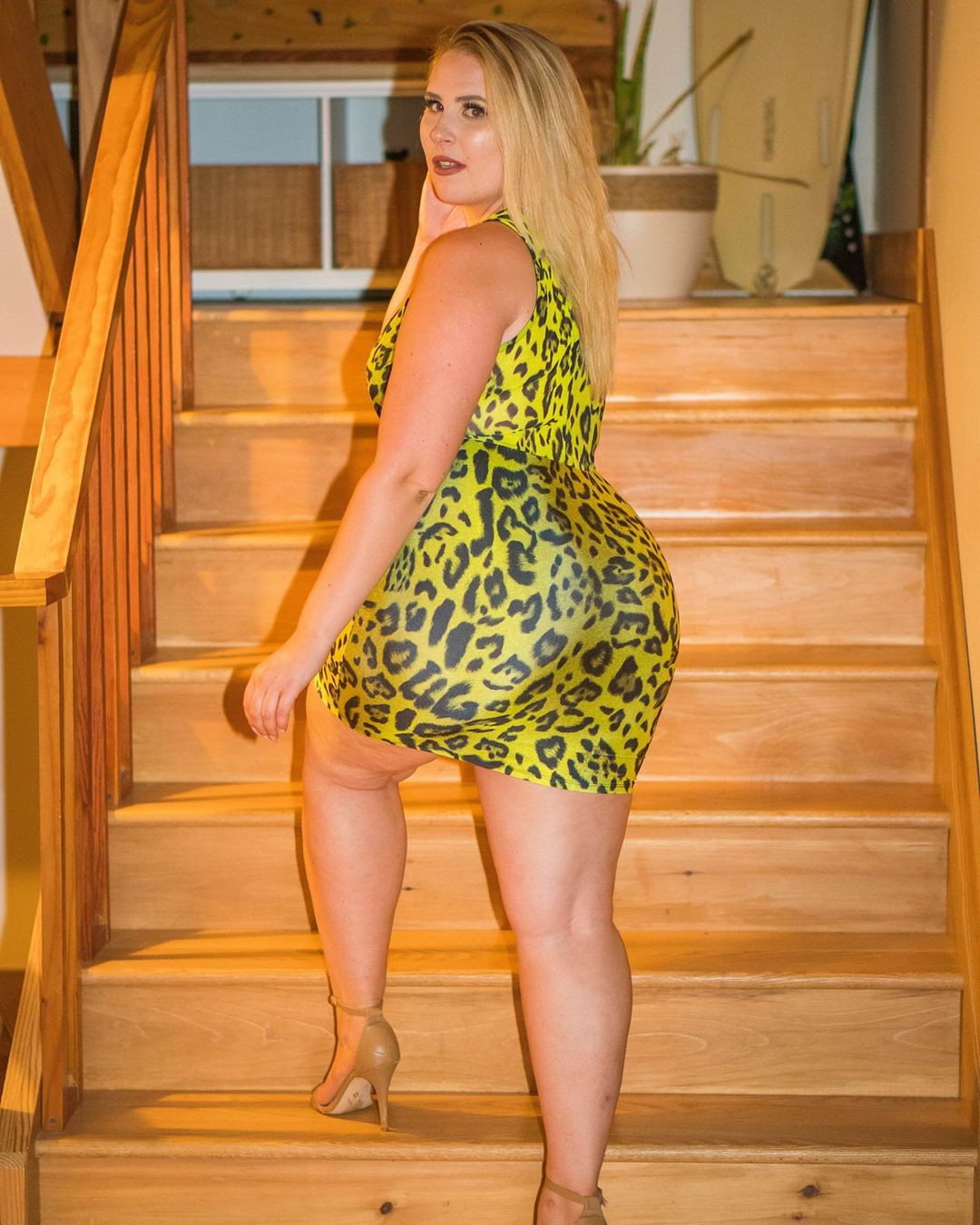 Just see these fashion model, Plus-size model
