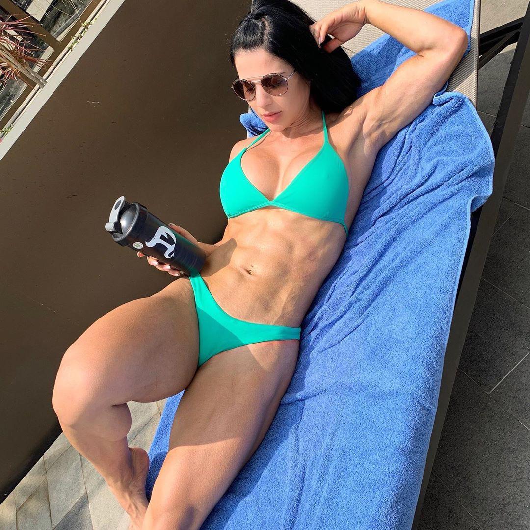 Eva Andressa Bikini Abs