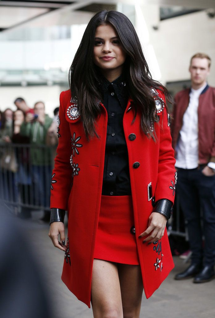Fashion of today's need red coat outfit, Dress shirt