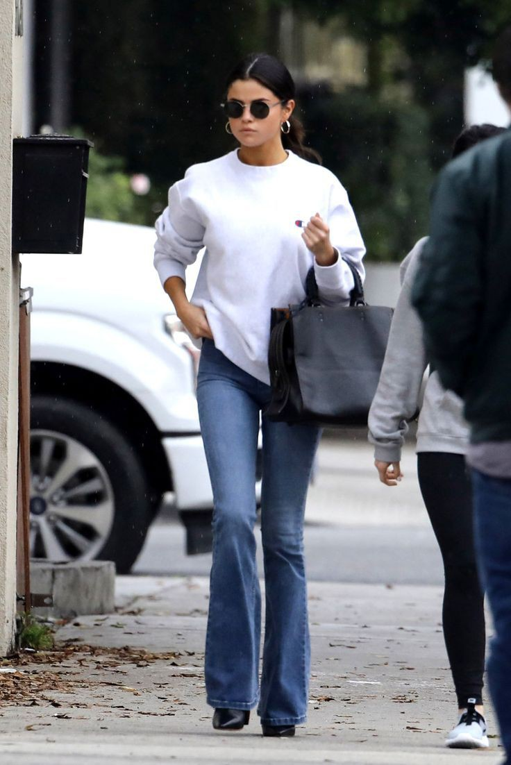 Selena gomez bootcut jeans, Selena Gomez